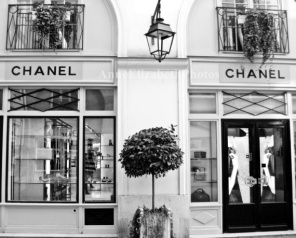 picture Chanel store