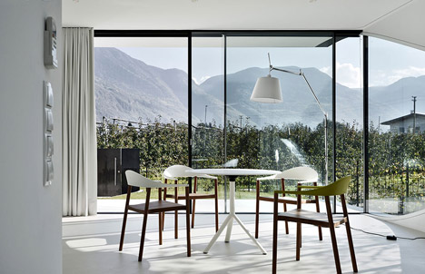 Mirror-Houses-by-Peter-Pichler_dezeen_468_13
