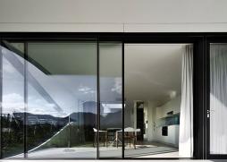 Mirror-Houses-by-Peter-Pichler_dezeen_784_6