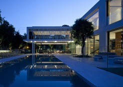 House-of-Parties-by-Pitsou-Kedem_dezeen_784_16
