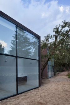 House-YC-by-RTA-Office_dezeen_468_8