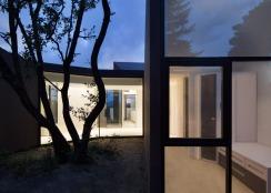 House-YC-by-RTA-Office_dezeen_784_6