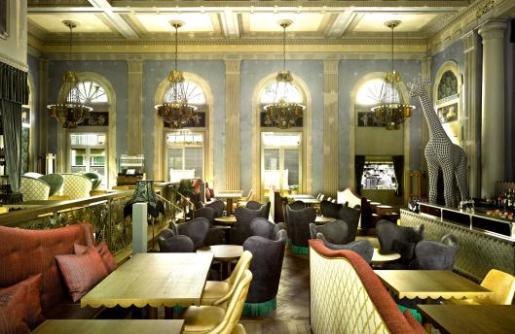 Razzia_04_04_01_restaurant