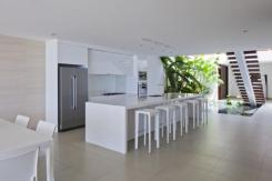 Stunning_Modern_Beach_House_by_MM++_Architects_on_world_of_architecture_07