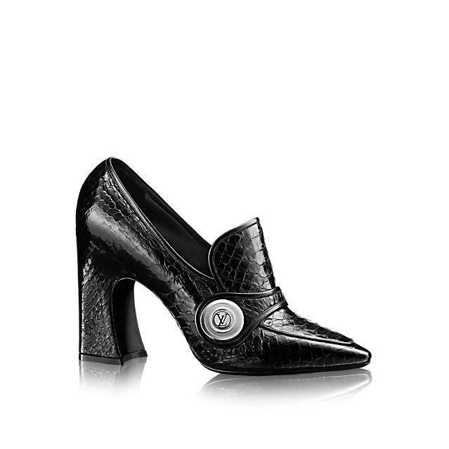 One of the statements of Louis Vuitton's 2015 Cruise collection, this striking pump in luxurious python skin is characterized by its outsize LV-engraved snap fastener, pointed toe, and high, chunky heel.