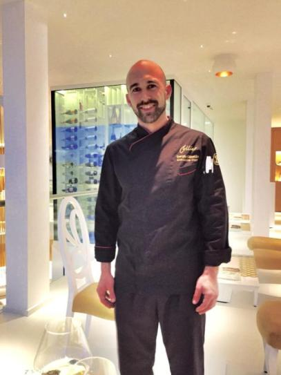 The restaurant Famous Chef is the 36 year's old Mallorcan Sergio Olmedo. Worked in well known Hotels like: Hotel Reads, the Gran Hotel Sóller and Gran Hotel Son Net. Now he shows his years of experience and skills in Portals Hills. Lots of fish on the menu and the salads are also a delight because of the some not expected but delicious flavour combinations it is a feast for the eye.