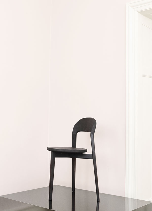 norm-pause-chair-1